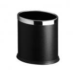 Dvouplášťový oválný, ocelový odpadkový koš v černé barvě se stříbrným kroužkem.