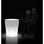 Veselá, překvapující, neformální váza-světlo Cubalibre. Vhodné pro vnitřní i venkovní použití.Materiálpolyethylen. Rozměry88 x V98 cm