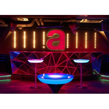 Svítící koktejlový stůl Lounge M 105