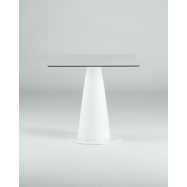 Kavárenský stolek Hopla se čtvercovou deskou