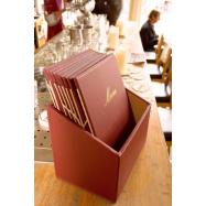 Box s jídelními lístky Securit Classic - vínově červená