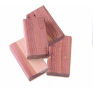 Sada 4 ks odpuzovačů molů Compactor z cedrového dřeva - destičky do zásuvky