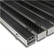 Gumová hliníková kartáčová venkovní vstupní rohož FLOMA Alu Extra - délka 100 cm, šířka 100 cm a výška 1,7 cm