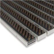 Hnědá hliníková venkovní kartáčová vstupní rohož FLOMA Alu Super - délka 100 cm, šířka 100 cm a výška 1,7 cm