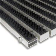 Černá hliníková venkovní kartáčová vstupní rohož FLOMA Alu Super - délka 100 cm, šířka 100 cm a výška 2,2 cm