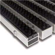 Černá hliníková venkovní kartáčová vstupní rohož FLOMA Alu Super - délka 100 cm, šířka 100 cm a výška 2,7 cm