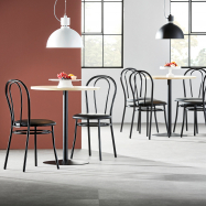 Jídelní set Astrid + Aurora, 1 stůl a 4 černé židle