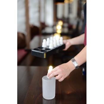 Set 12 LED svíček s dobíjecí stanicí, teplé bílé světlo